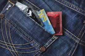 preservativo in tasca