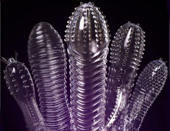 Preservativi Stimolanti per Lui e per Lei: Funzionano o Peggiorano le Cose?